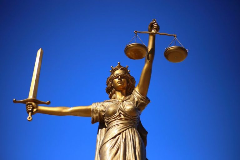 Lady justice symbolizing representation in court